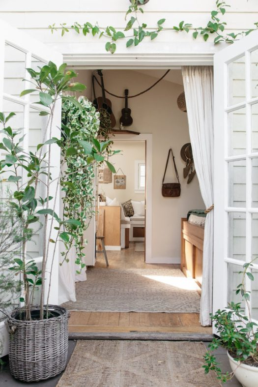 tiny canal cottage home tour. / sfgirlbybay