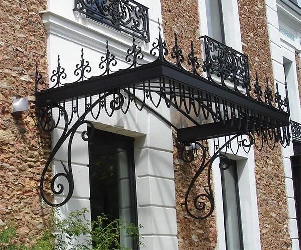 Structures métalliques : marquise en fer forgé sur mesure 78