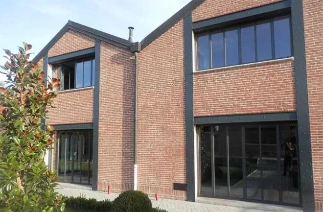 Fenêtres metal maison style industriel