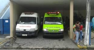 ambulâncias no hospital foto Vinnicius Cremonez