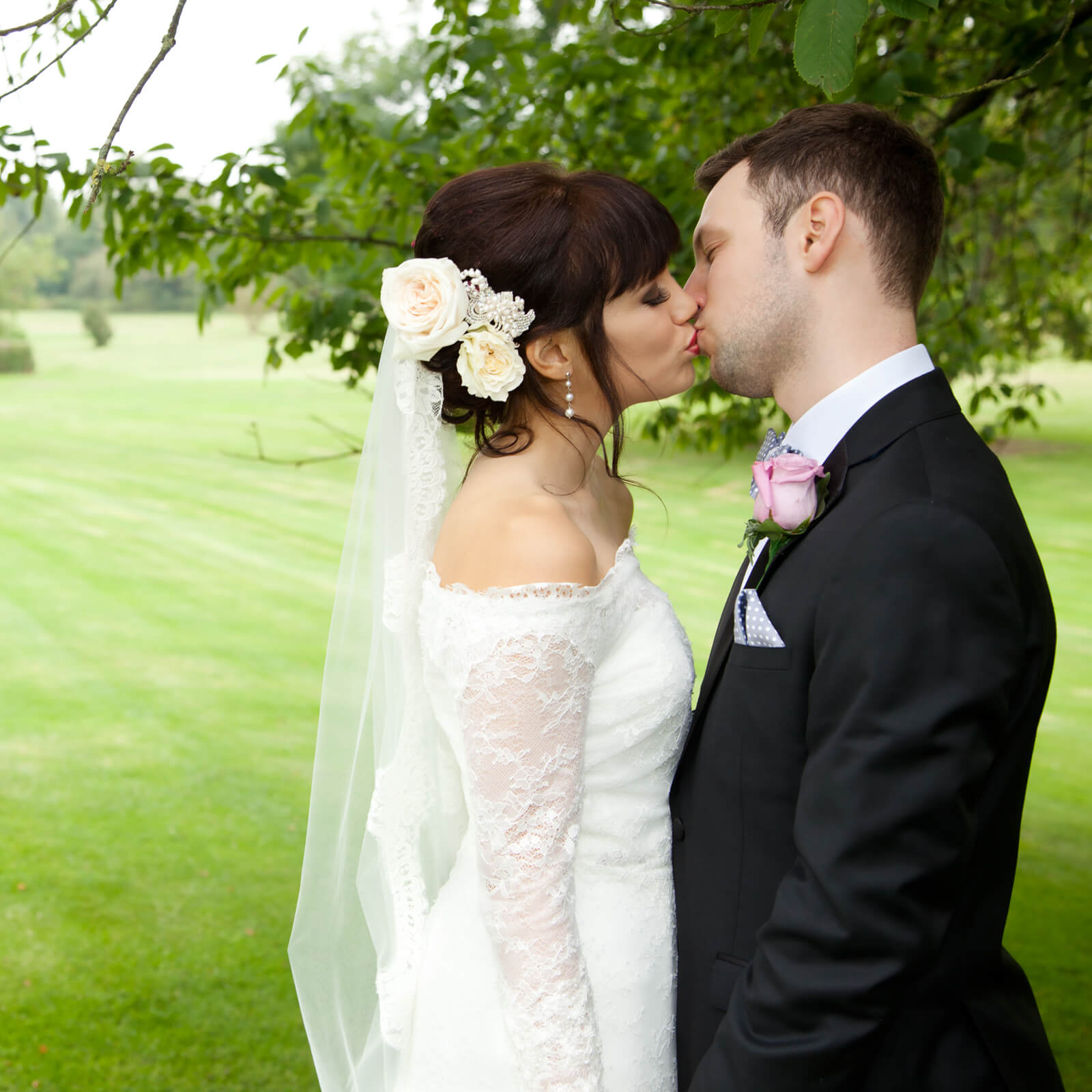 Warwickshire-wedding-photographer-Ettington-2