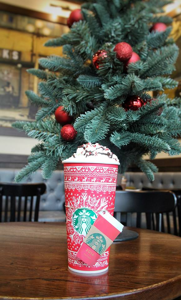 starbucks-exclusive-2016-red-cup-card