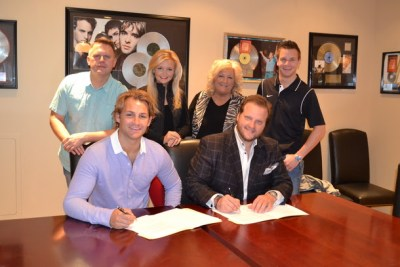 The Browns ink new deal with StowTown Records; Release Aim Higher