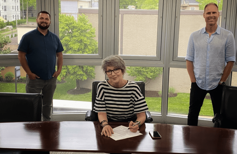 Curb | Word Music Publishing Extends Publishing Deal With Kenna Turner West