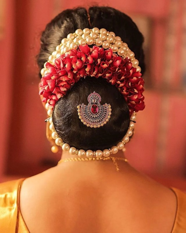gajra hairstyles for your wedding: what is your favorite Élan?