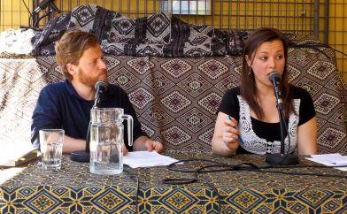 Jürgen Neuhuber (Shabka) und Kathrin Kaisinger (Blickwinkel) beim Sonntags-Matinee der KritLit 2017. Foto: Shabka, CC BY-NC-ND 3.0.