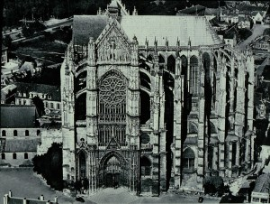 Beauvais_Cathedral_exterior