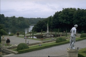 Brown_BlenheimPalace_garden