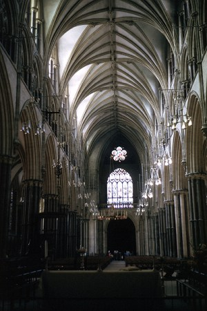 Lincoln_Cathedral_nave