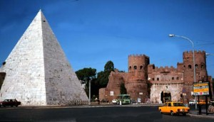 Rome_Pyramid_of_Cestius_and_Porta_S_Paolo