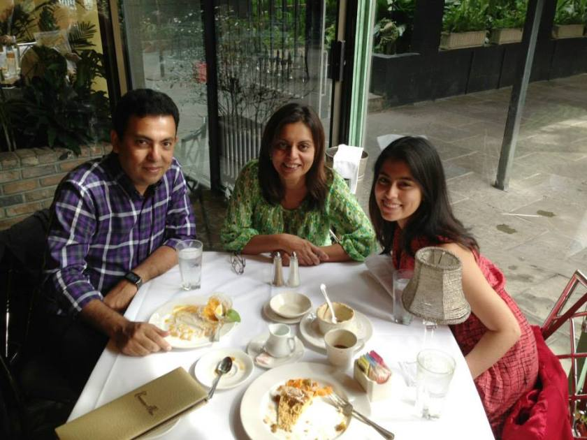 Avijit Roy, wife Rafida Ahmed Banya and daughter Trisha in holiday in New Orleans