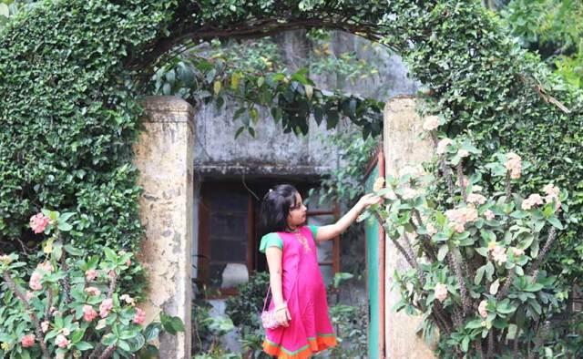 বৈশাখী ফ্রকে ছোট্ট মেয়ে - shajgoj.com