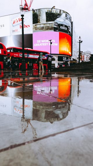 DOOH advertising Piccadilly Circus