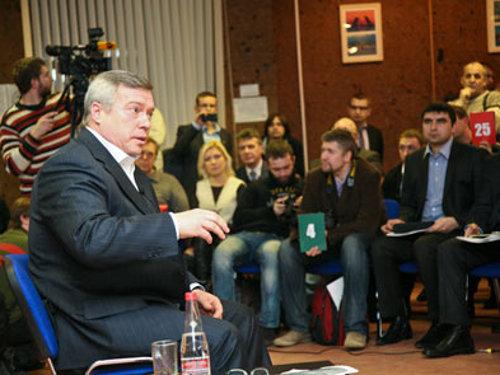 Василий Голубев встретился с блогерами Ростовской области