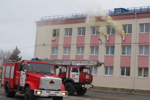 А город подумал: в кадетском корпусе пожар