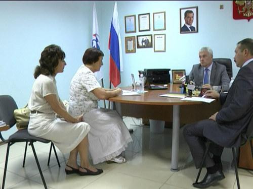 Третий раз за три месяца Шахты посетил министр строительства, архитектуры и территориального развития Ростовской области Валерий Кузнецов