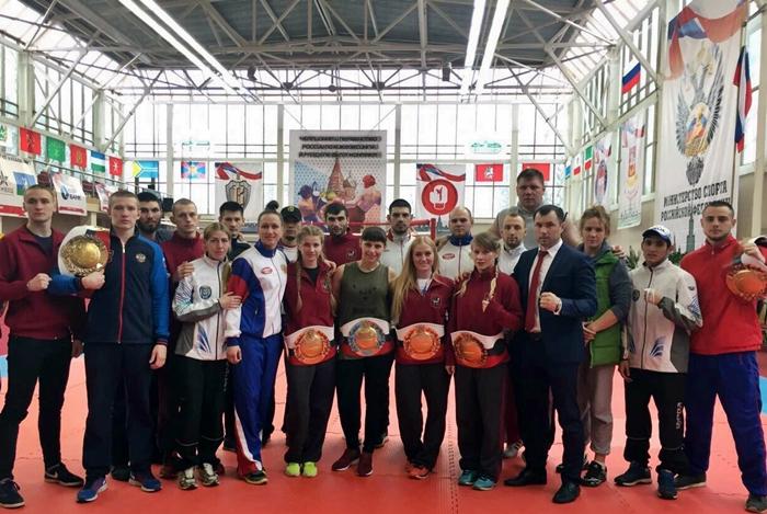 Ирина Парахина стала пятикратной чемпионкой России по кикбоксингу, Олег Зайцев завоевал бронзу