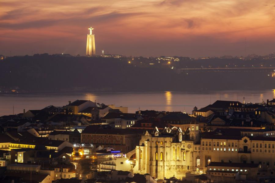 Lisbon as the best Christmas vacations on a budget
