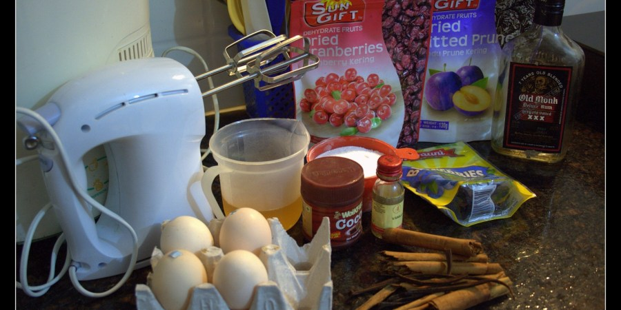 death-by-chocolate-cocoa-cake-cinnamon-rum-eggs-baking-experiment-microwave