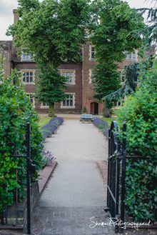 wedding photography at Eastbury Manor House Essex