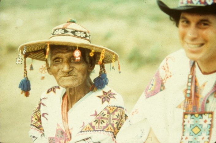 Don José Matsuwa with Brant Secunda during a Huichol ceremony.