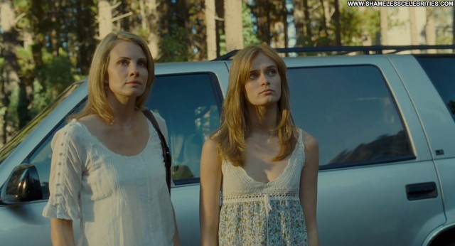 Riki Lindhome The Last House On The Left Celebrity Posing Hot Topless