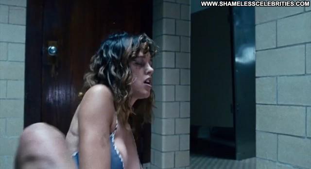 Paz De La Huerta Choke Posing Hot Sex Hot Stripper Celebrity Nude