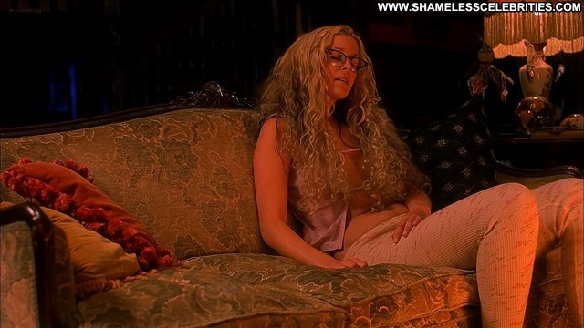 Sheri Moon Zombie House Of      Corpses Nude Posing Hot Celebrity