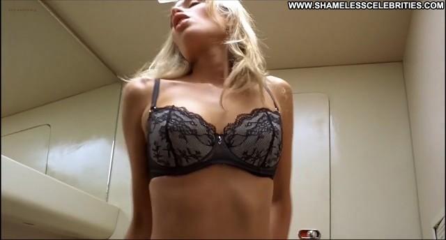 Holly Davidson Lauren Cohan Elena Tecuta Van Wilder 2 Busty