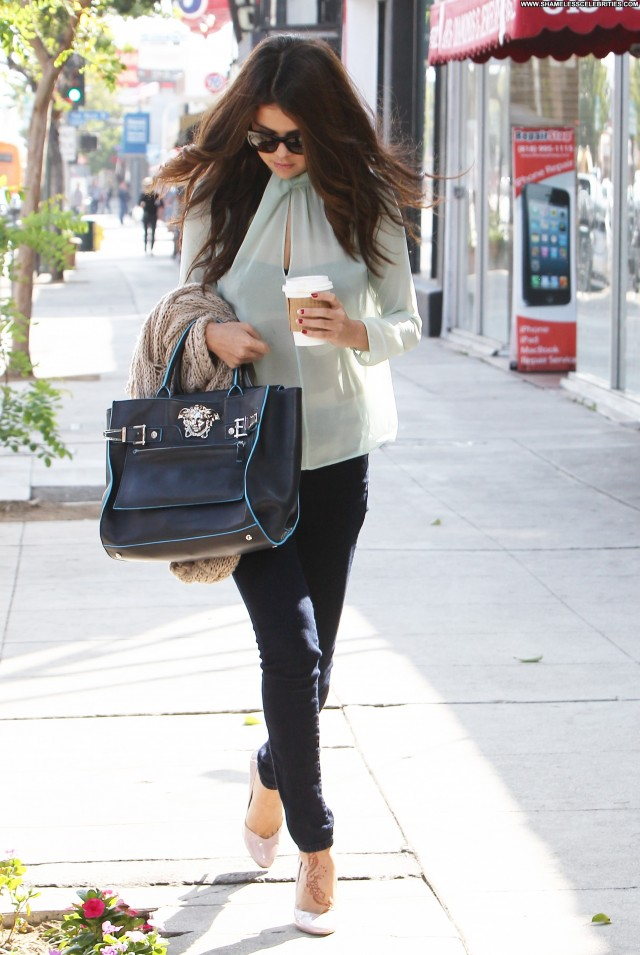 Selena Gomez Los Angeles Candids Beautiful Babe Celebrity Posing Hot