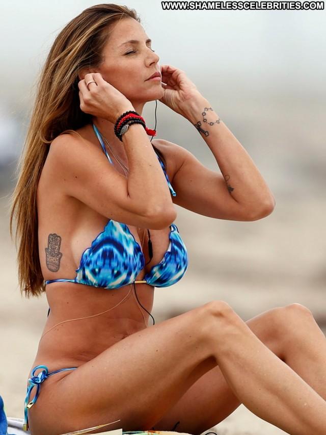 Charisma Carpenter Babe Posing Hot Candids Beach High Resolution