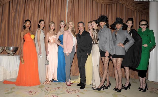 Elizabeth Berkley Nightclub In Las Vegas Fashion High Resolution