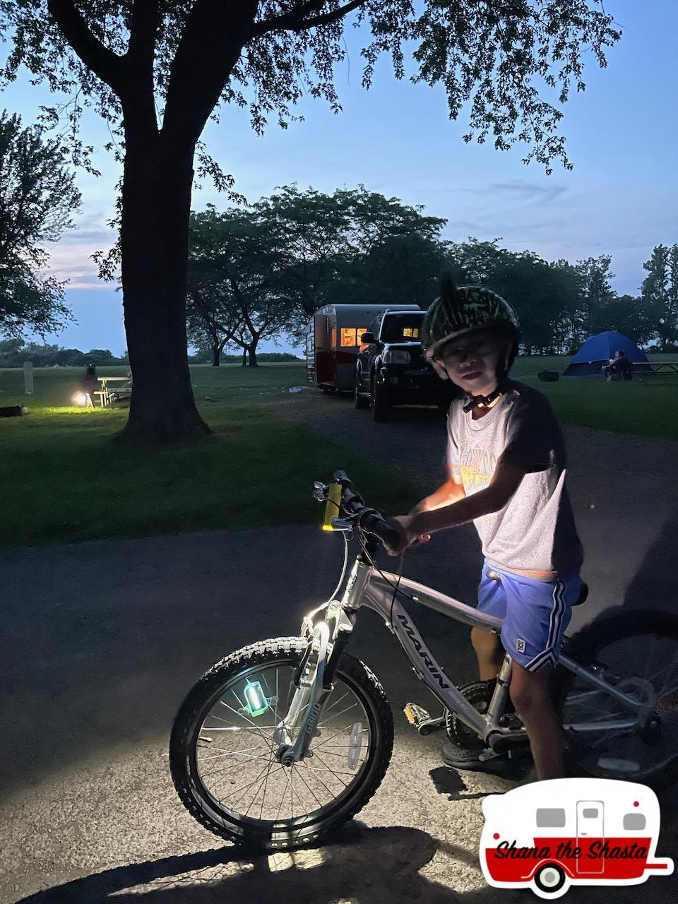 Bike-Light-Show-at-4-Mile-Creek