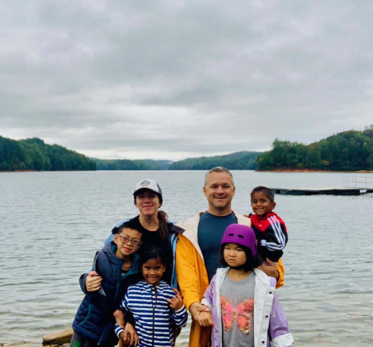Family-Carters-Lake