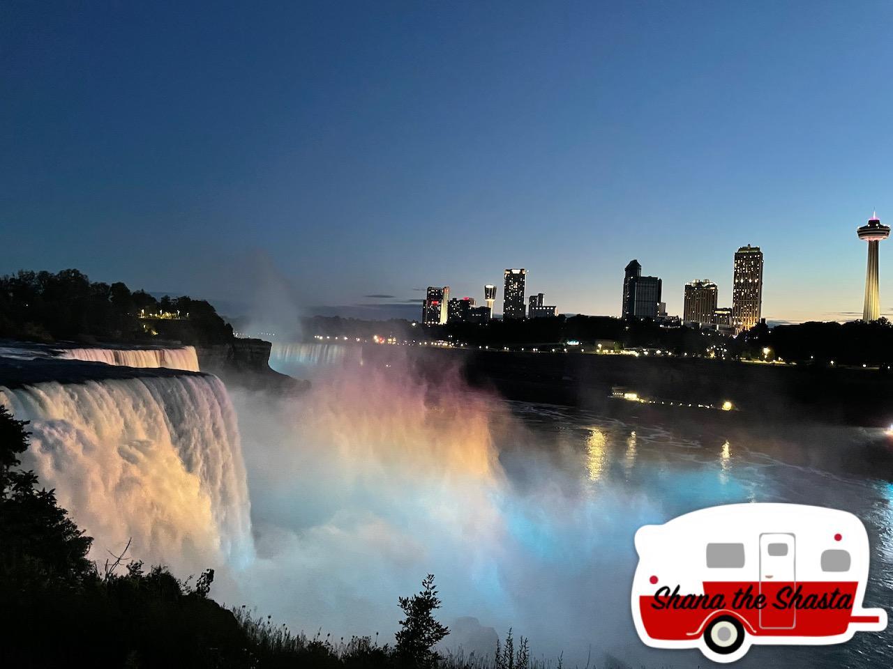 Lightshow-at-Niagara
