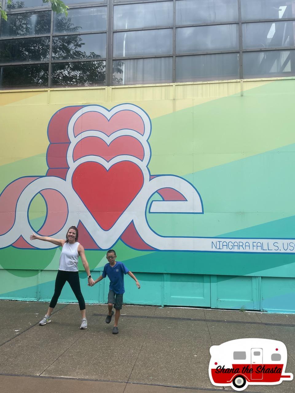 Love-Niagara-Falls-USA