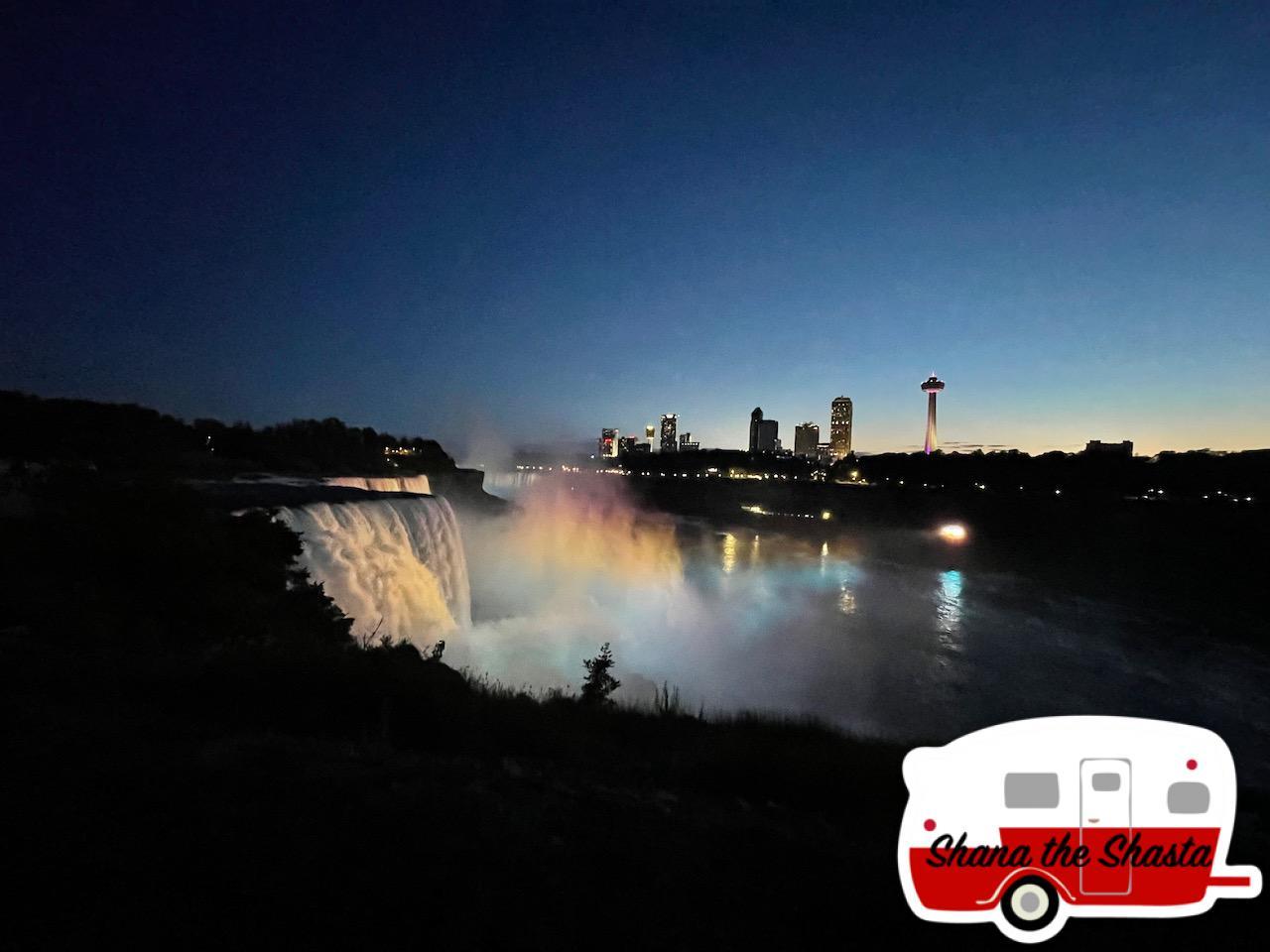 Night-Lightshow-at-Niagara
