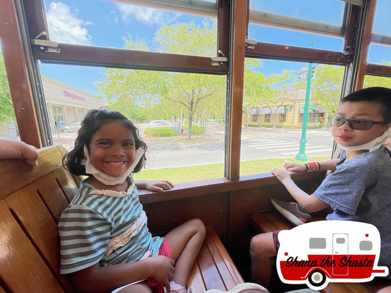 Open-Windows-on-Trolley-in-New-Orleans