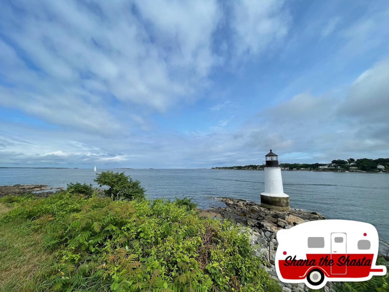 Sailboat-Lighthouse-off-Winter-Island