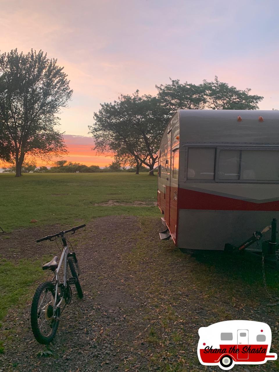 Vintage-Shasta-Sunset