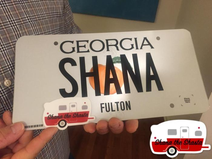 vintage-camper-custom-vanity-license-plate