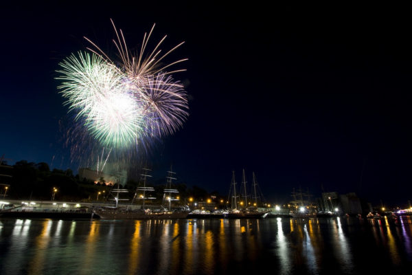 Tall Ships Fireworks 2011 - f/11 fireworks - how to take fireworks photos