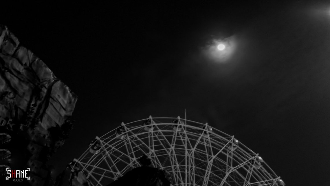 Rule of Thirds, black and white photo ferris wheel and moon