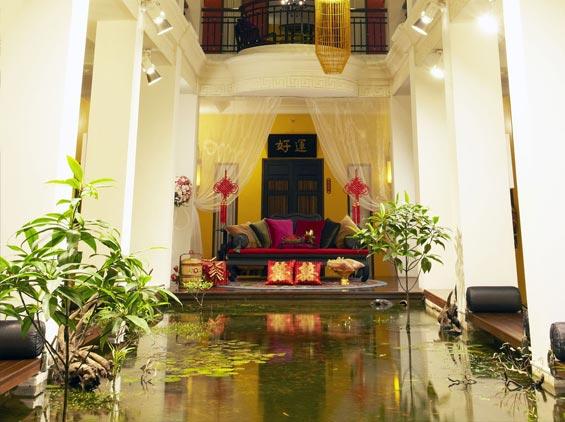 Shanghai Mansion Hotel - Lucky Fish Pond - Image Copyright ShanghaiMansion.Com