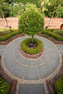 Garden Design - circular paving