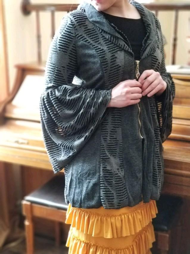 Gray bell sleeve textured zip up jacket
