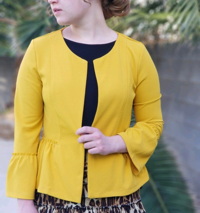Peplum ruffle short jacket