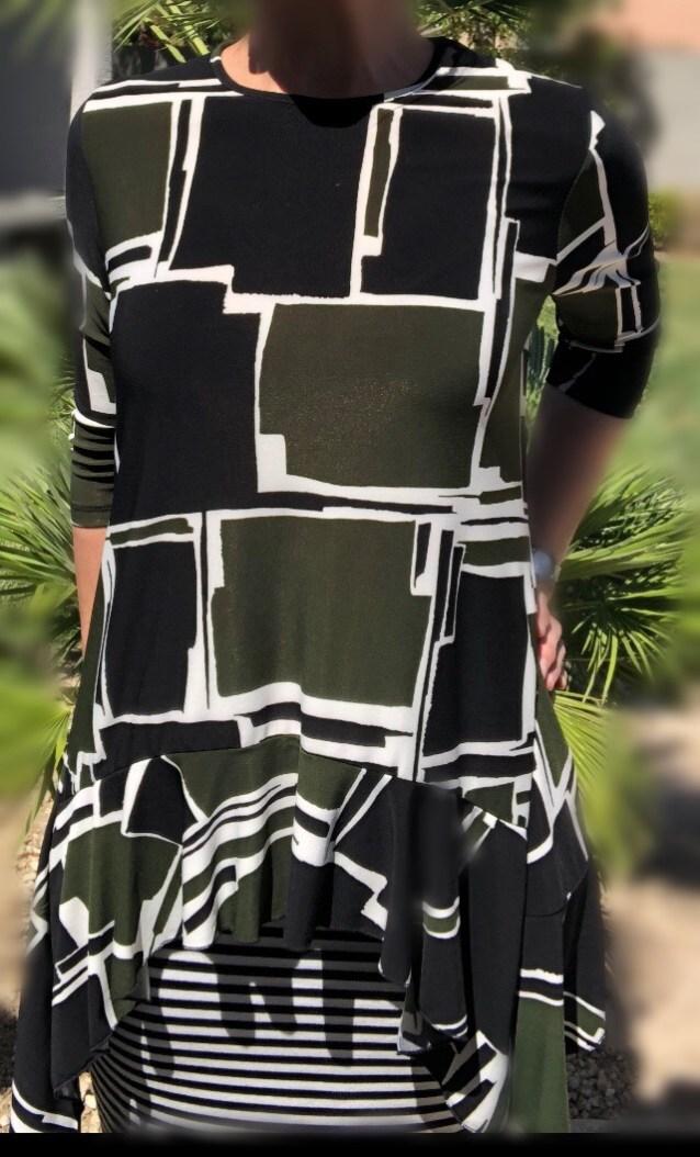 Zari Ruffle Tunic - Green Block