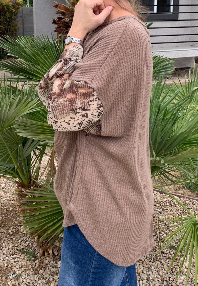 Mocha snake print sleeve top