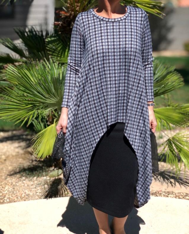 Gray plaid hi low pocket tunic top